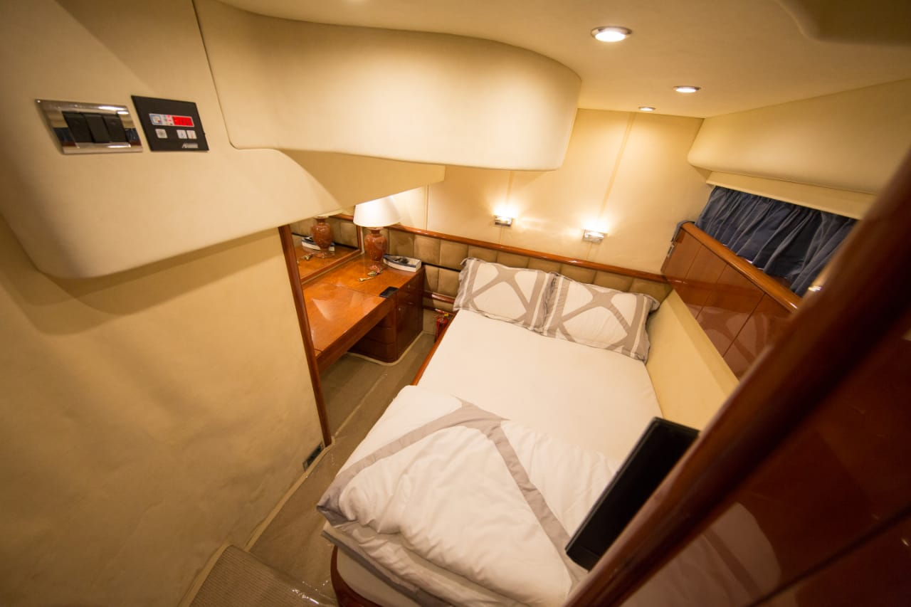62ft yacht rooms